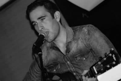 hd-dj-wedding-dj-sussex-recommend-ed-harvey-wedding-singer-guitarist