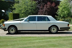 white-rolls-royce-wedding-car-hire-service