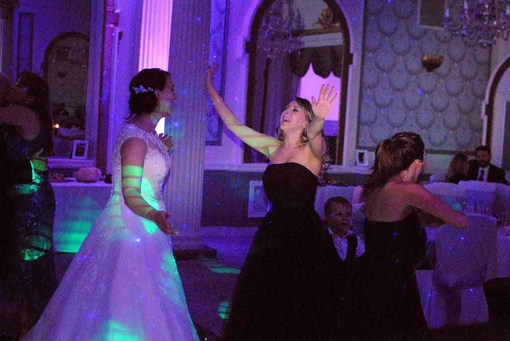 Sussex Wedding Dj Creates Awesome Party At Brighton Hotel